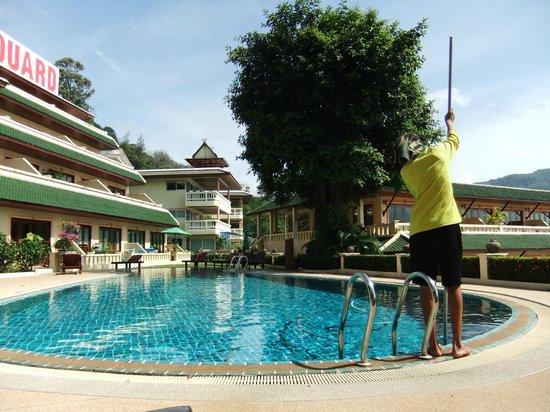 Prince Edouard Apartments & Resort : Piscine