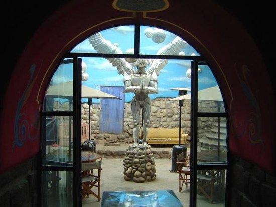 The Guest House at Fallen Angel : Espaço interno do Fallen Angel