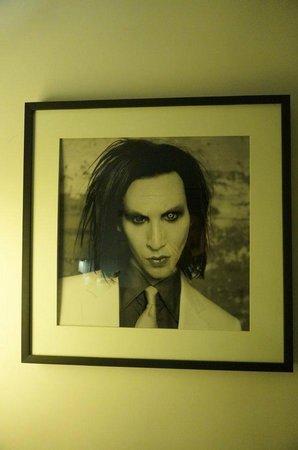 Hard Rock Hotel Chicago: Marilyn Manson im Schlafzimmer