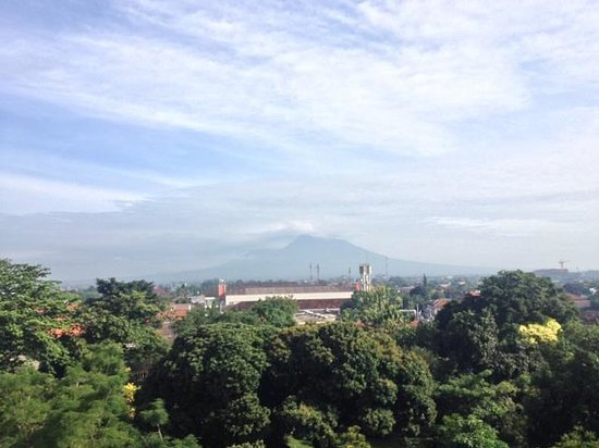Royal Ambarrukmo Yogyakarta: the view of Mount Merapi