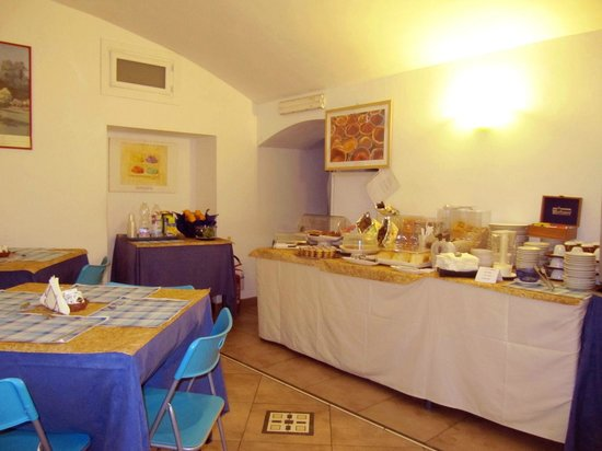 Hotel Montevecchio : Salone prima colazione