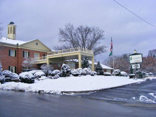 Ohio University Inn & Conference Center: O.U. Inn on a snowy saturday