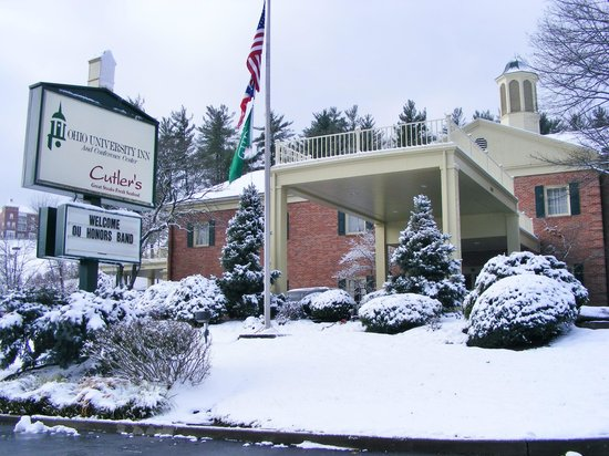 Ohio University Inn & Conference Center: well-kept inside and out