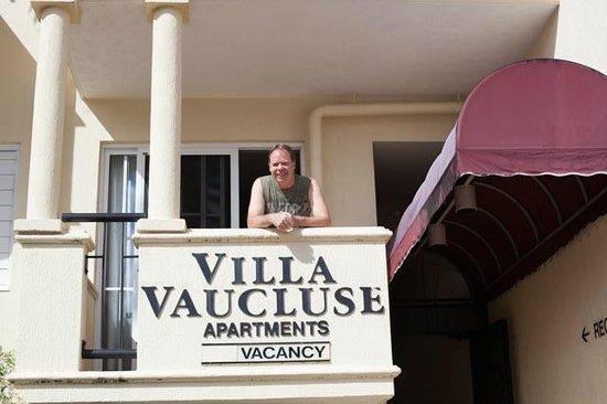 Villa Vaucluse Apartments: Excelent Manager Brett at Villa Vaucluse