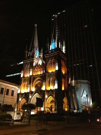 Hotel ibis Rio de Janeiro Centro : Igreja a frente hotel Ibis RJ
