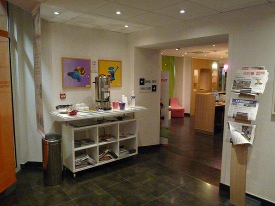 Hotel Ibis Styles Rennes Centre Gare Nord : Espace thé/café à volonté