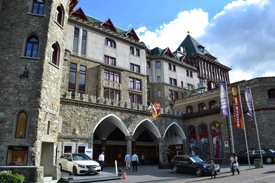 Badrutt's Palace Hotel: Badrutt's Hotel front view
