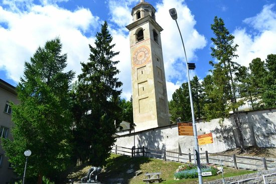 Badrutt's Palace Hotel: St Moritz leaning tower