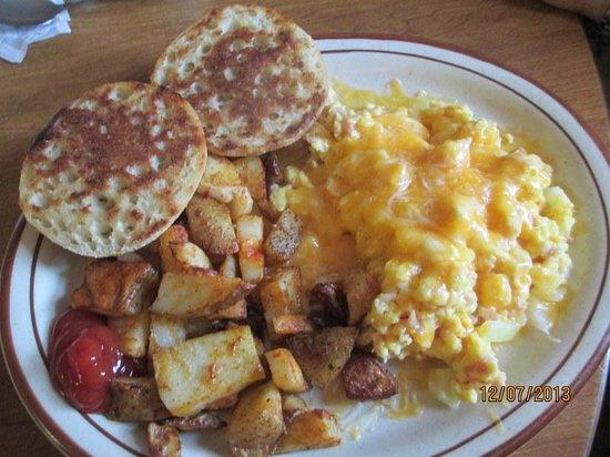 Calamity Jane's Restaurant: Breakfast Scramble w/Melted Cheddar!