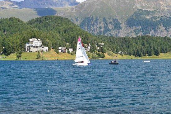 Badrutt's Palace Hotel: St Moritz lake