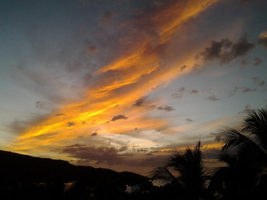 La Gaviota Tropical : sunset from the penthouse