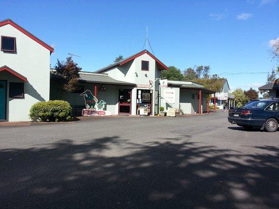 Waikite Valley Thermal Pools: Kiwipaka Reception