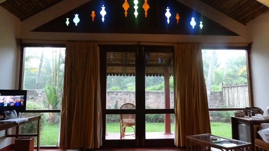 Abad Whispering Palms Lake Resort: Private Garden