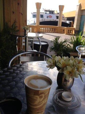 Cafe Cola'o: cafe coquito