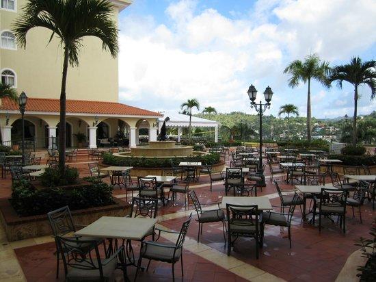 Grand Bahia Principe Cayacoa : La terrasse