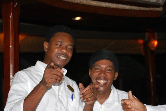 Palm Island Resort & Spa: Johnnie and Kendol at the bar.