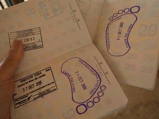 Aitutaki Adventures: One foot island stamp