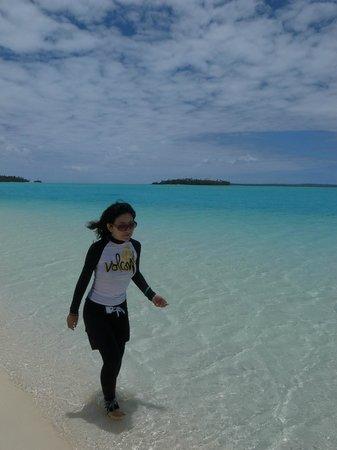 Aitutaki Adventures: One foot island
