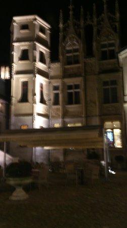 Hotel de Bourgtheroulde, Autograph Collection : cour de l'hotel