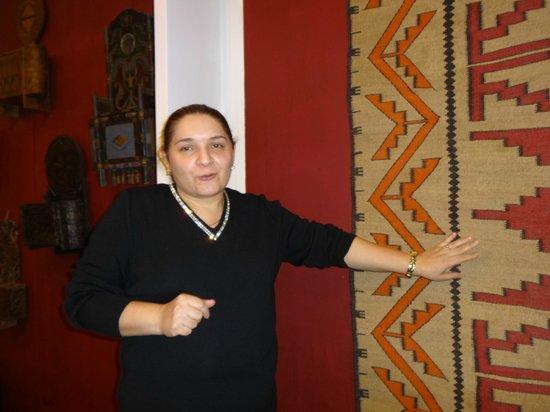 Dagestan Museum of Fine Art: Айшат Магомедова рассказывает о коврах