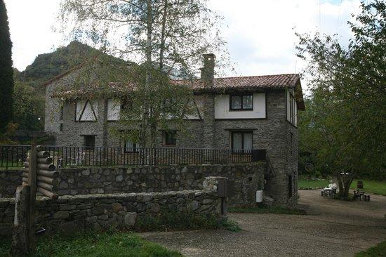 La Antigua Ferreria Hotel Rural: Desde el aparcamiento