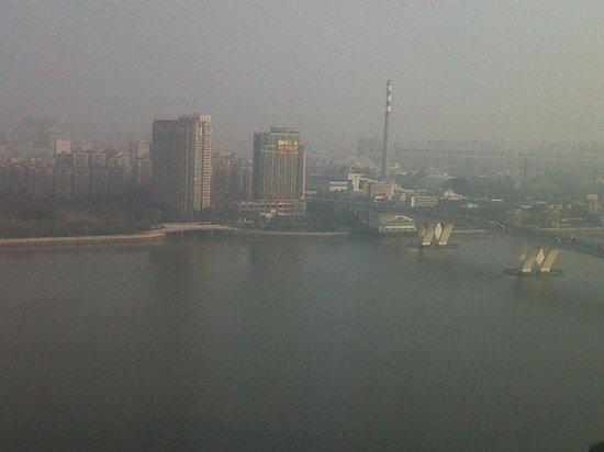 Shangri-La Hotel Guangzhou: vista fiume citta'