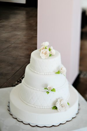 Villa Buena Onda: Cake (credit Juan Carlos at El Velo Photography)