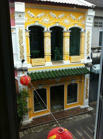 The Rommanee Boutique Guesthouse : Vista desde mi habitación: ventana 2 de 2