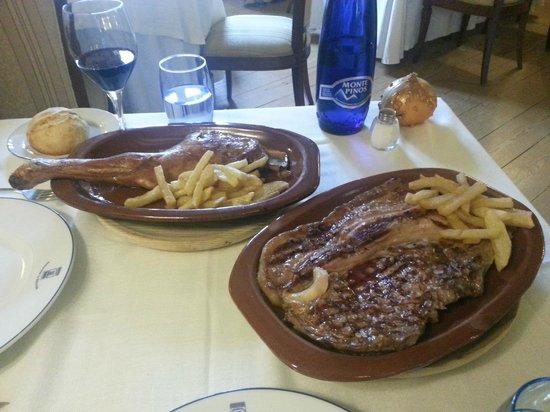 La Balconada: steak and lamb