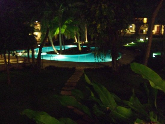 The Lodge at Uxmal : Evening view from our veranda