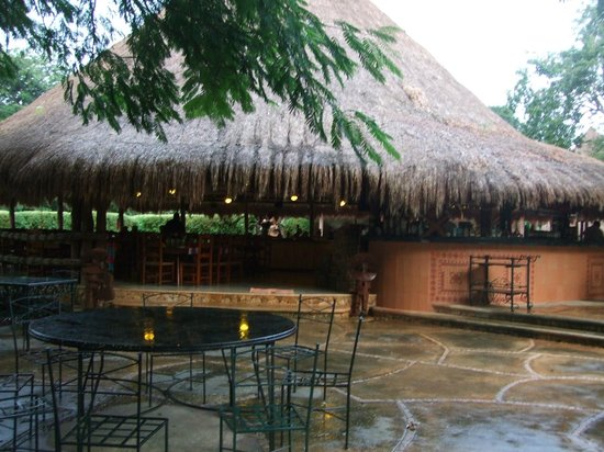 The Lodge at Uxmal : Open-sided restaurant