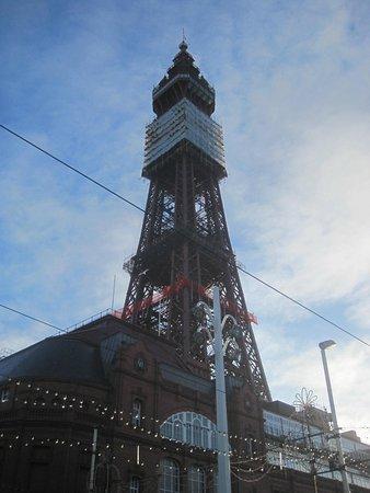 Newbury Hotel : Blackpool Tower
