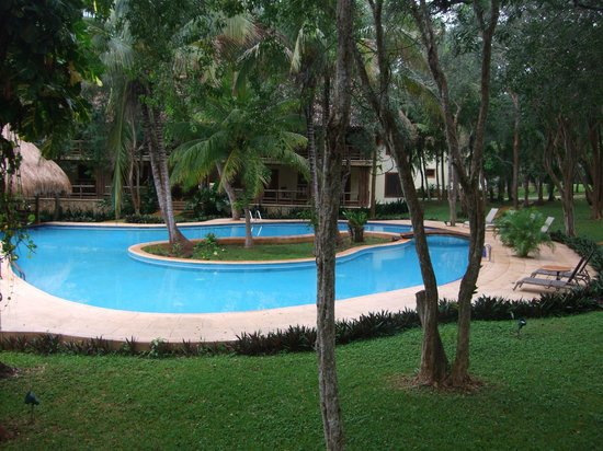 The Lodge at Uxmal : Day time pool