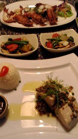 Smile Khaolak Restaurant: Martin et tiger prawn
