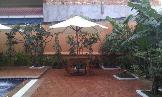Gloria Angkor Hotel: Piscine