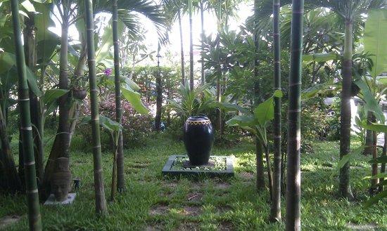 Gloria Angkor Hotel: Devant l'hôtel