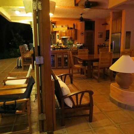 Casa Oceano : View of the outside porch and the living area/kitchen