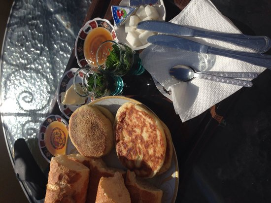 Riad Nassim : Nice breakfast on the roof terrace