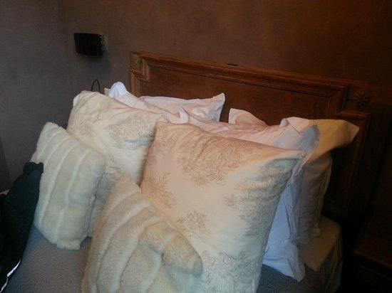 Hotel de l'Abbaye: Le lit