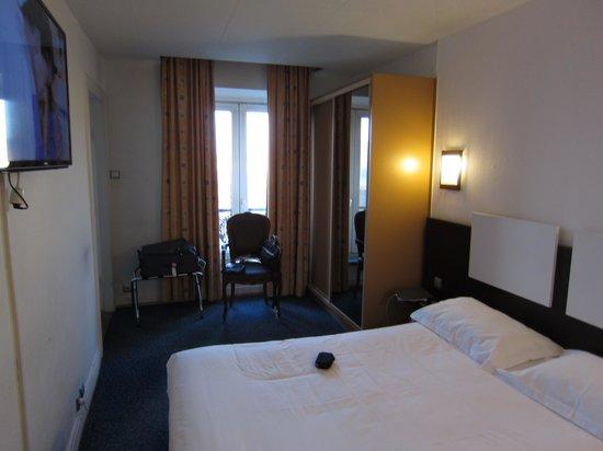 Inter Hôtel Le Bristol: camera