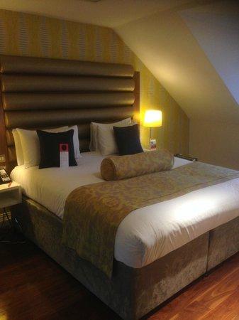 Hotel Indigo Edinburgh: Lovely comfy King size bed