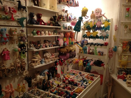 Nukupood Doll Shop: Inside the store