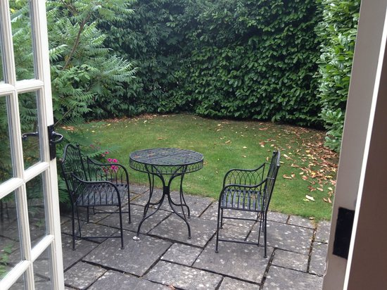 Langshott Manor Hotel Gatwick: View from French doors of Sissinghurst, private enclosed garden