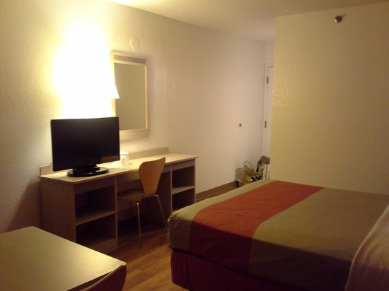 موتل 6 نيو هافن - برانفورد: hotel room 2
