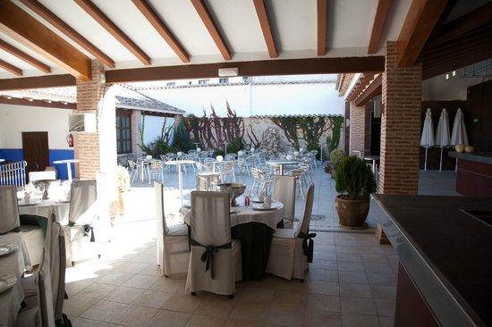 Hotel Restaurante Dulcinea: terraza de verano