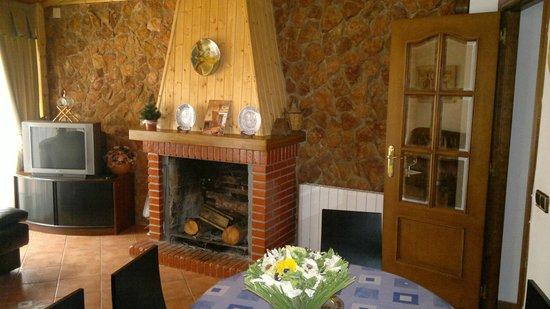 casa rural, habitación matrimonio con baño: fotografía de ...