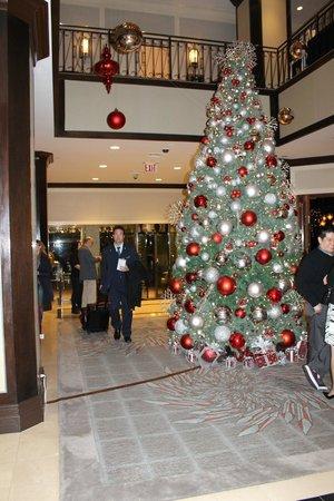 New York Marriott Downtown: la hall addobbata