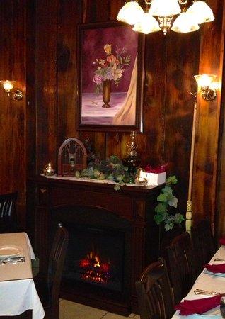 Amore's Ristorante: Warm and Cosy