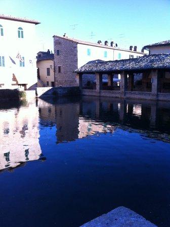 Terme Bagno Vignoni: la piazza di Bagno Vignoni