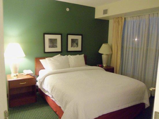Residence Inn Deptford: 2. Schlafzimmer